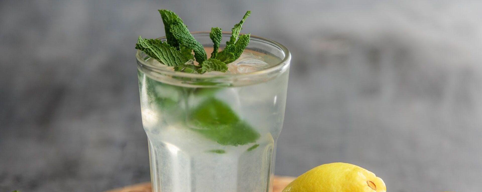 Agua con limón - Sputnik Mundo, 1920, 04.07.2021