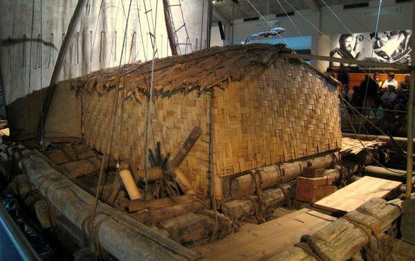 La balsa Kon-Tiki raft, en el museo Kon-Tiki en Oslo, Noruega - Sputnik Mundo