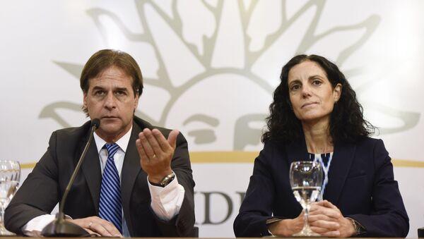 Luis Lacalle Pou, presidente de Uruguay y Azucena Arbeleche, ministra de Economía y Finanzas de Uruguay - Sputnik Mundo