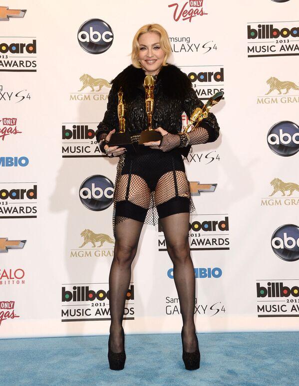 Madonna posa para la prensa con sus premios Billboard Music en 2013, en Las Vegas, Nevada - Sputnik Mundo