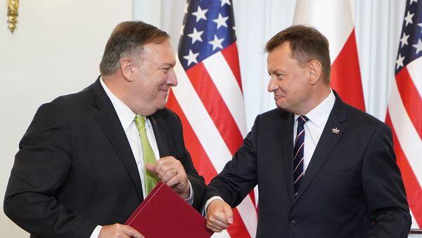 El secretario de Estado de EEUU, Mike Pompeo, y el presidente polaco, Andrzej Duda - Sputnik Mundo