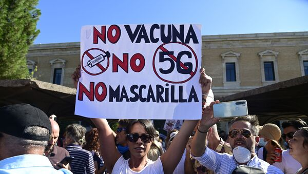 Manifestación de negacionistas del coronavirus en Madrid - Sputnik Mundo