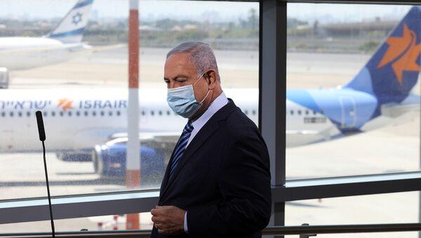 El primer ministro de Israel, Benjamín Netanyahu, en el aeropuerto Ben Gurión - Sputnik Mundo