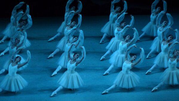 Las bailarinas del Teatro Mariinski - Sputnik Mundo