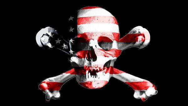 La bandera pirata y la bandera de EEUU - Sputnik Mundo