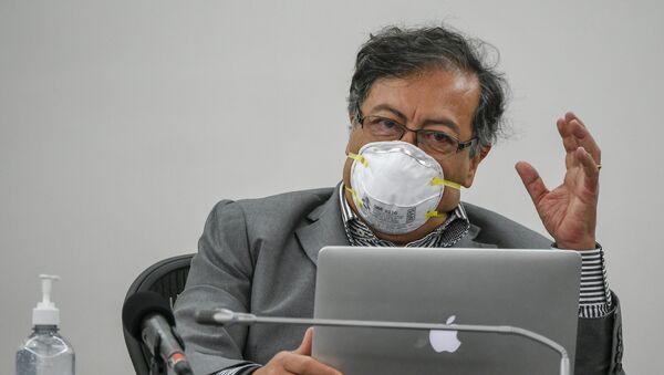 Gustavo Petro, senador de izquierda, excandidato presidencial y líder de la oposición en Colombia - Sputnik Mundo