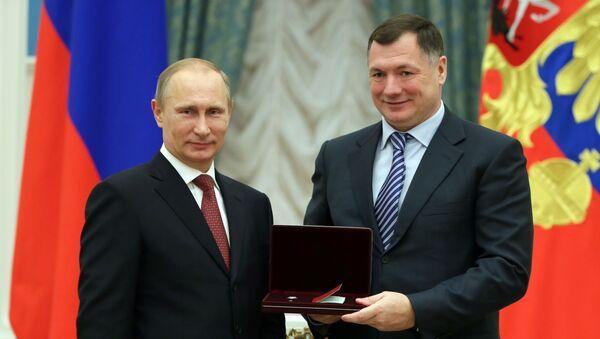 El presidente de Rusia, Vladímir Putin, junto al viceprimer ministro de Rusia, Marat Jusnullin - Sputnik Mundo