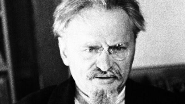 León Trotsky en Coyoacán, México - Sputnik Mundo