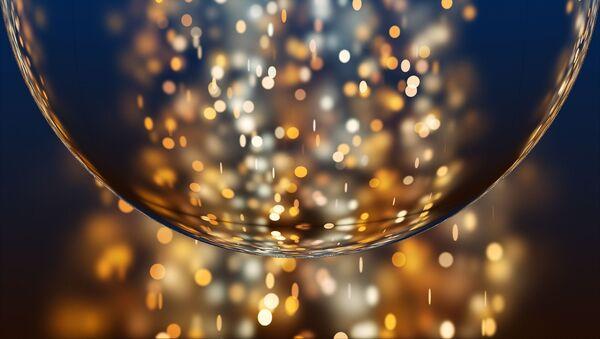 Un burbuja dorada (imagen referencial) - Sputnik Mundo