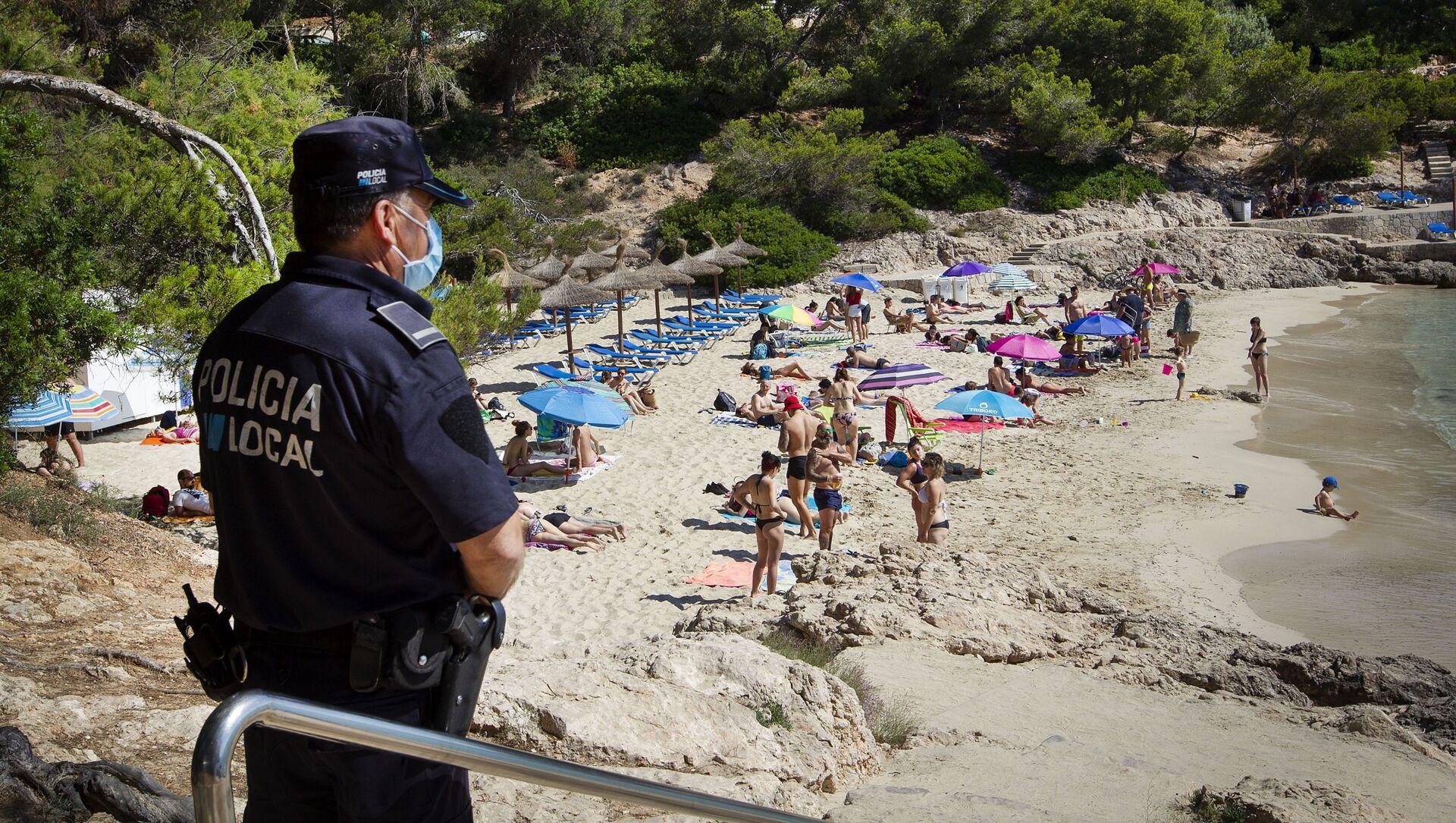 Policía vigilando las playas de Mallorca - Sputnik Mundo, 1920, 21.08.2020