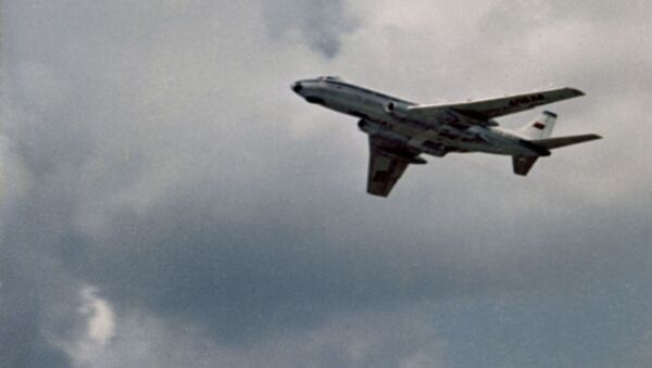 Un avión de pasajeros Tu-124 (archivo) - Sputnik Mundo