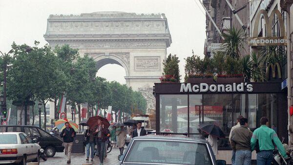 McDonalds en París, Francia - Sputnik Mundo