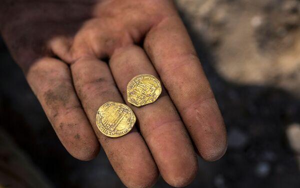 Las monedas de oro de los tiempos del Califato Abasí - Sputnik Mundo