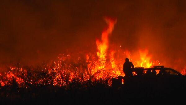 La provincia argentina de Córdoba, pasto de las llamas de un gran incendio forestal - Sputnik Mundo