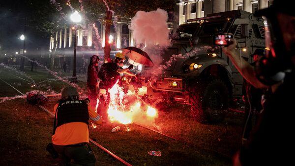 Disturbios en la ciudad estadounidense de Kenosha - Sputnik Mundo