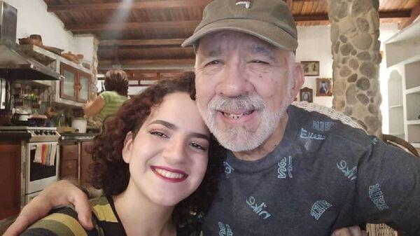 Carlos Lanz junto a su hija Abyayala - Sputnik Mundo