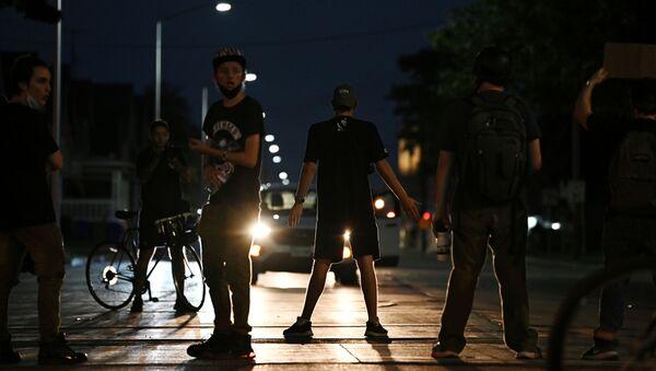 Disturbios en la ciudad estadounidense de Kinosha - Sputnik Mundo