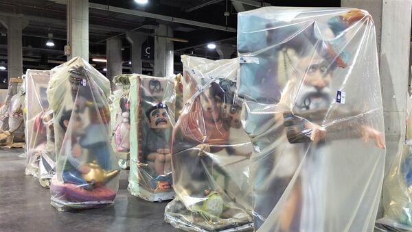 Fallas valencianas almacenadas tras la cancelación del festejo por el coronavirus - Sputnik Mundo