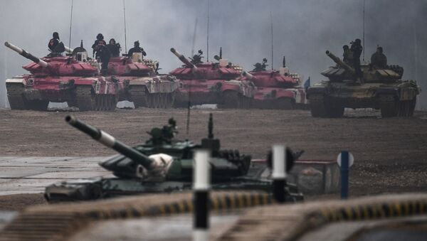 El Biatlón de Tanques en los Juegos Army 2020 - Sputnik Mundo