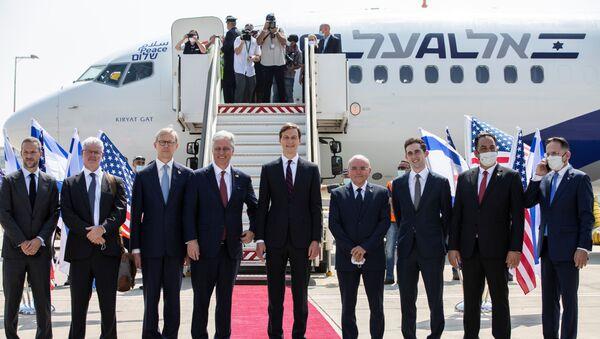 Vuelo histórico de Israel con delegados israelíes y estadounidenses en EAU - Sputnik Mundo