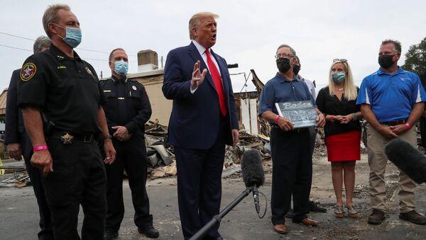El presidente de EEUU, Donald Trump, en Kenosha - Sputnik Mundo