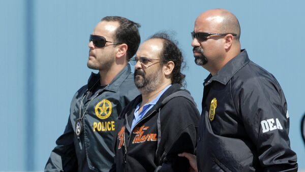 Rodrigo Tovar Pupo, alias Jorge 40, escoltado por la policía estadounidense - Sputnik Mundo