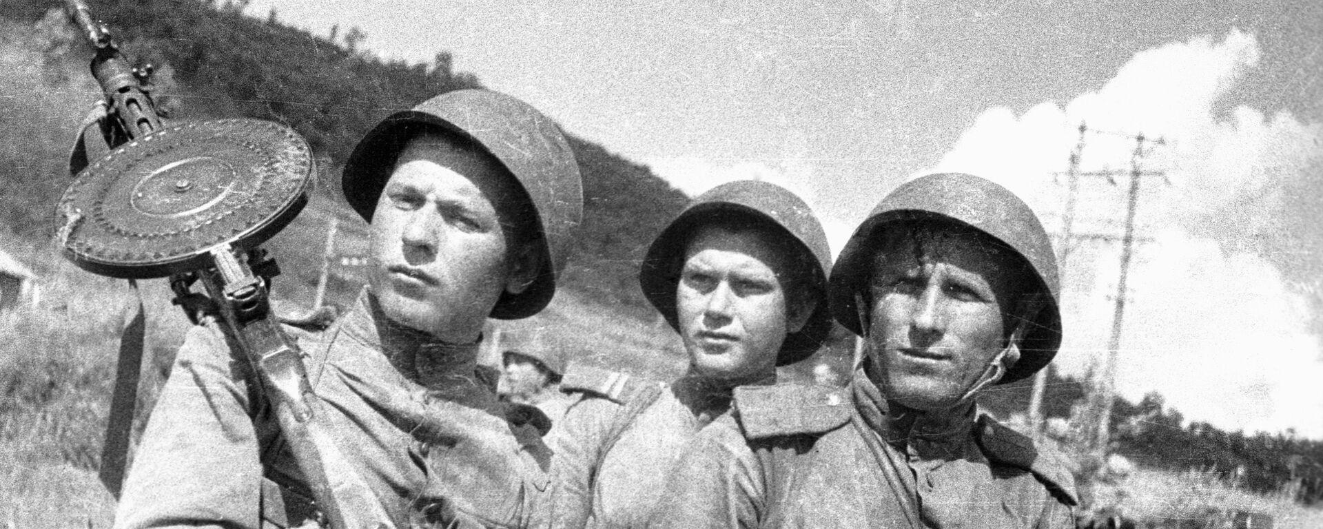 Algunos de los soldados soviéticos que sobresalieron en el campo de batalla - Sputnik Mundo, 1920, 02.09.2020