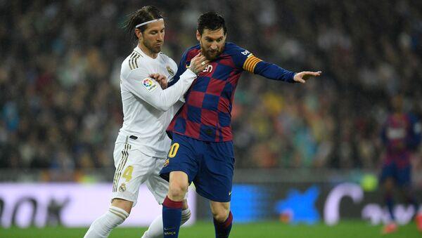 Messi y Ramos durante un partido - Sputnik Mundo