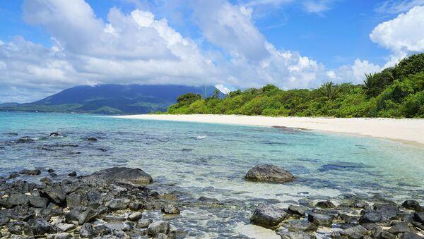 Una playa. Isla desierta. Imagen referencial - Sputnik Mundo