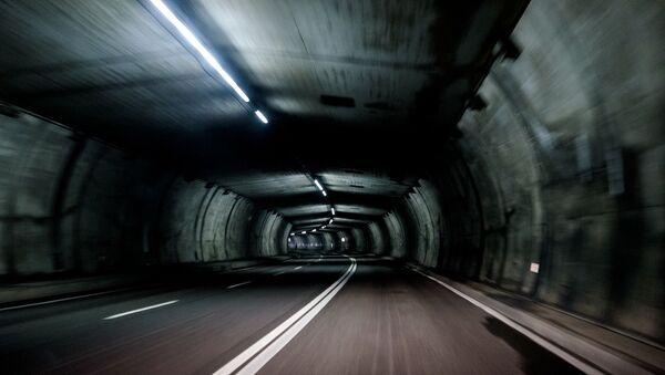 Túnel vehicular - Sputnik Mundo