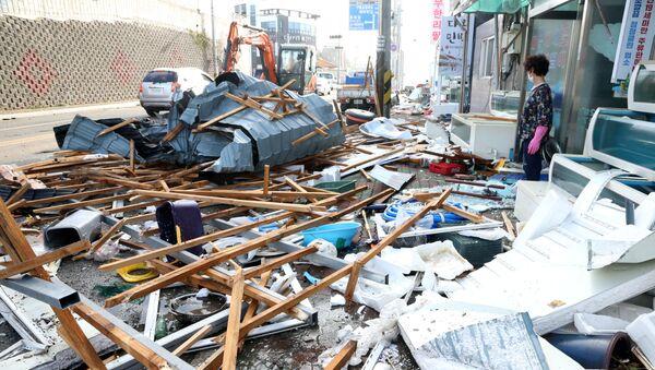 Consecuencias del tifón Maysak - Sputnik Mundo