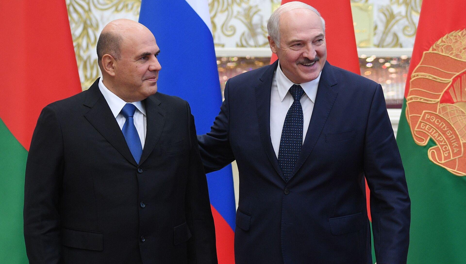 El primer ministro de Rusia, Mijaíl Mishustin, y el presidente bielorruso, Alexandr Lukashenko - Sputnik Mundo, 1920, 03.09.2020