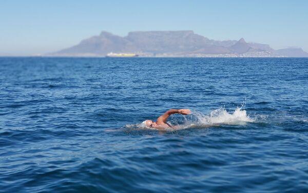 Diego López en la travesía de la isla de Robben (Sudáfrica) - Sputnik Mundo