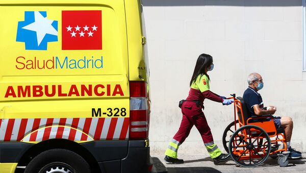 Ambulancia en Madrid - Sputnik Mundo