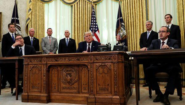 Reunión de los presidentes de Serbia, EEUU y el primer ministro de Kosovo - Sputnik Mundo
