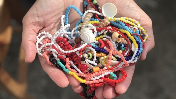 Sus accesorios ya han sido vendidos a países como Costa Rica, Suecia, Italia y Francia.  - Sputnik Mundo