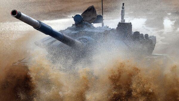 Biatlón de tanques en la sexta edición de los Juegos Militares Internacionales  - Sputnik Mundo