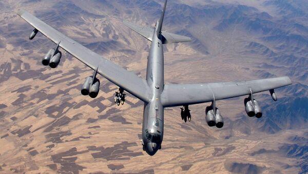 Un bombardero B-52 estadounidense (imagen referencial) - Sputnik Mundo
