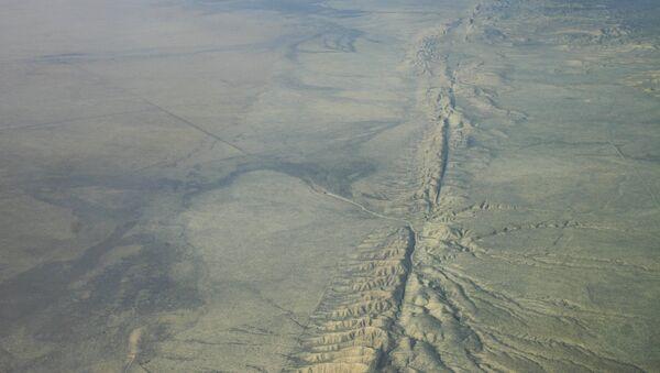 Vista aérea de la Falla de San Andrés - Sputnik Mundo