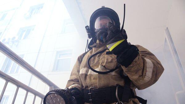 Un bombero ruso (archivo) - Sputnik Mundo