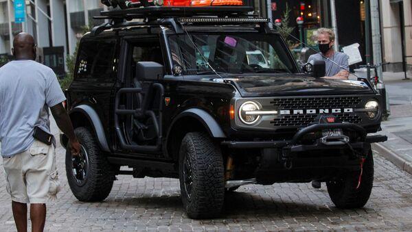 Un Ford Bronco - Sputnik Mundo