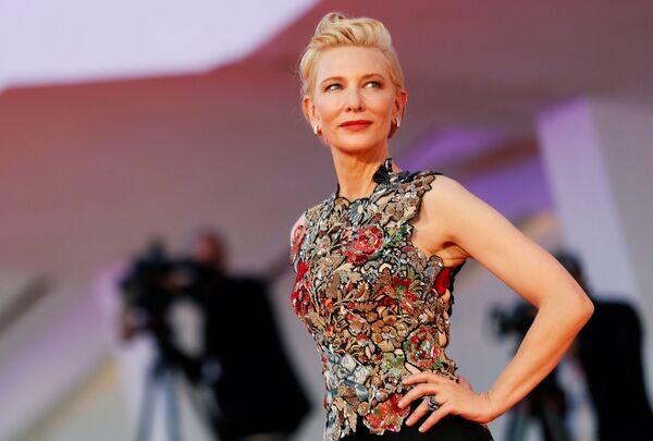 Актриса Кейт Бланшет на красной ковровой дорожке Венецианскго кинофестиваля - Sputnik Mundo