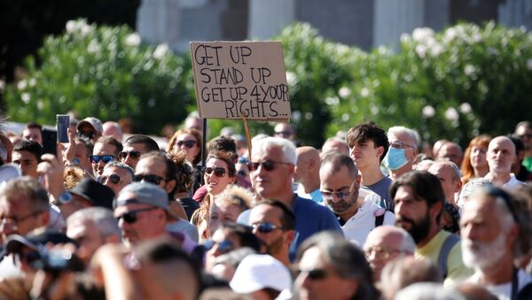 Protestas en Italia contra las medidas restrictivas del coronavirus - Sputnik Mundo