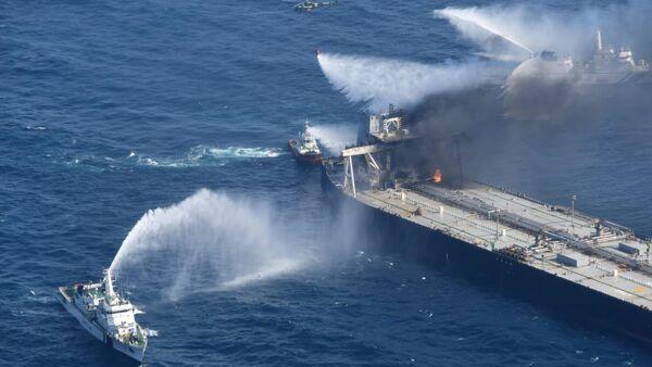 Incendio de un buque petrolero en Sri Lanka - Sputnik Mundo