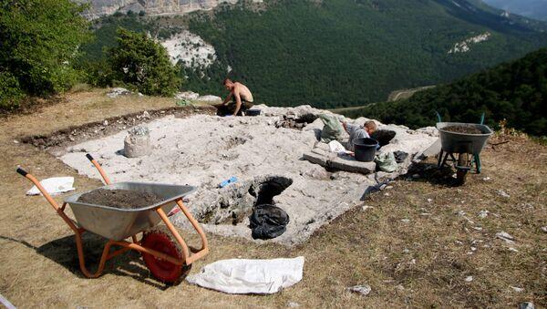 Unas excavaciones en Crimea, referencial - Sputnik Mundo