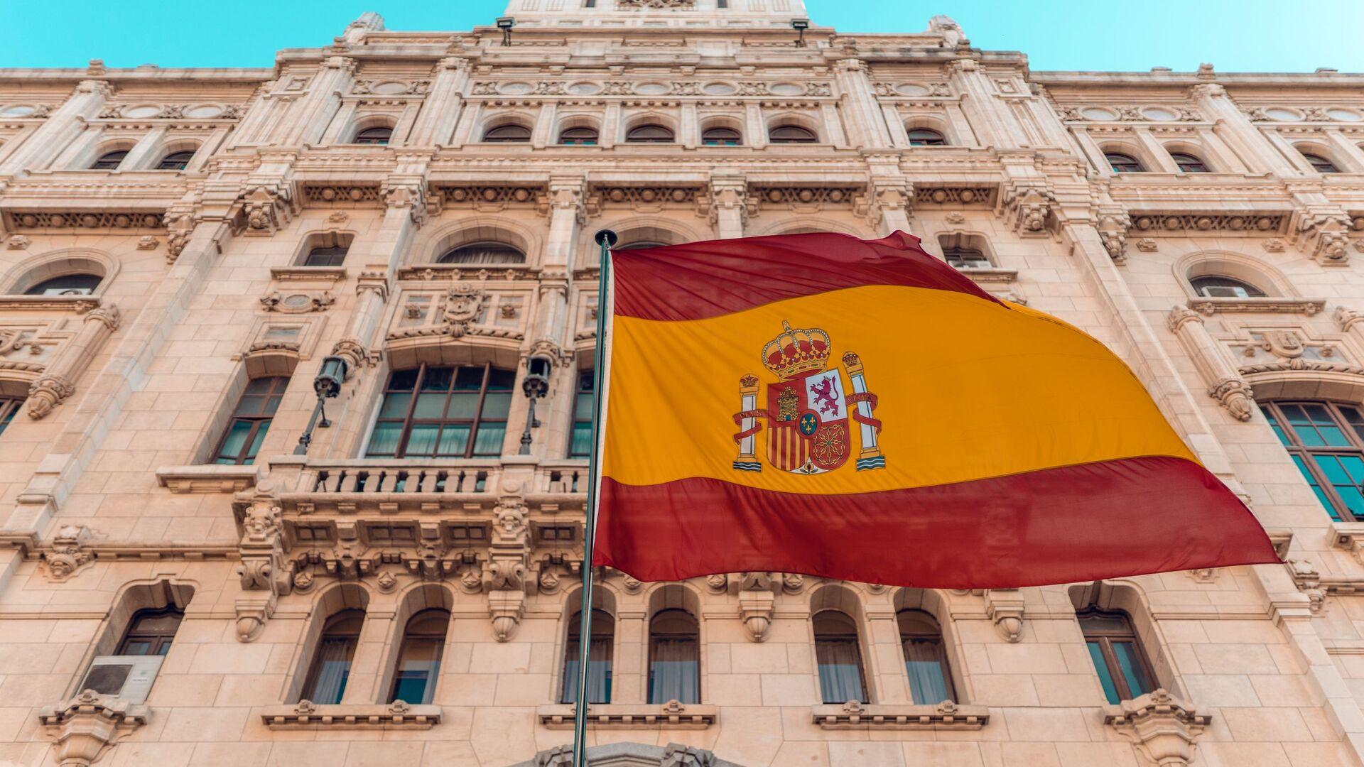 La bandera de España  - Sputnik Mundo, 1920, 05.05.2021