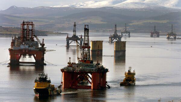 Varias plataformas de petróleo - Sputnik Mundo