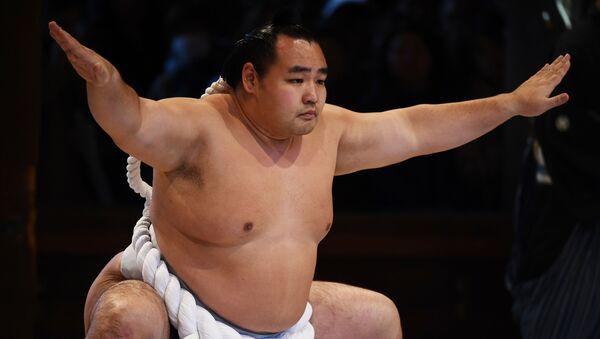Un luchador de sumo - Sputnik Mundo