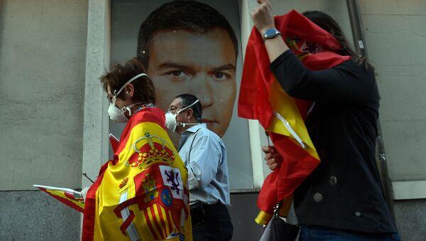 Imagen referencial de una manifestación contra Pedro Sánchez - Sputnik Mundo