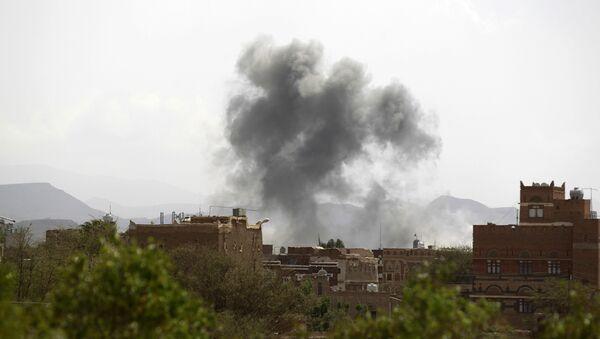 Explosión en Saná, Yemen - Sputnik Mundo